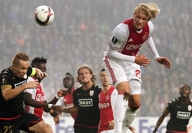 Liverpool boss Jurgen Klopp expresses admiration for Ajax's Kasper Dolberg