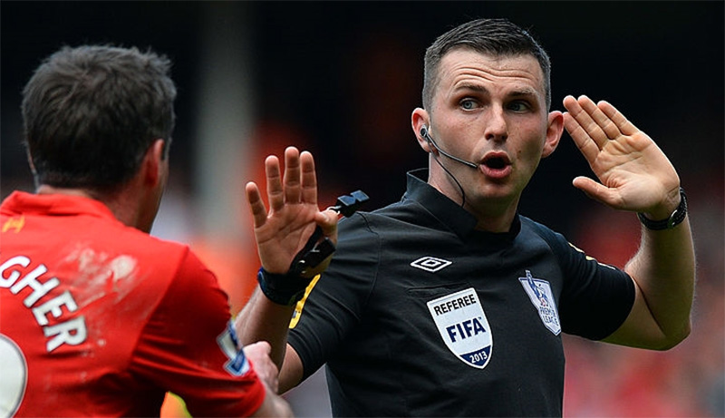 Michael Oliver to referee Manchester City v Liverpool ...