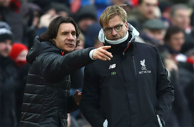 Liverpool, Man Utd coaches emerge as shock contenders for Arsenal job
