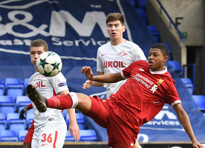 Rhian Brewster set to sign new deal